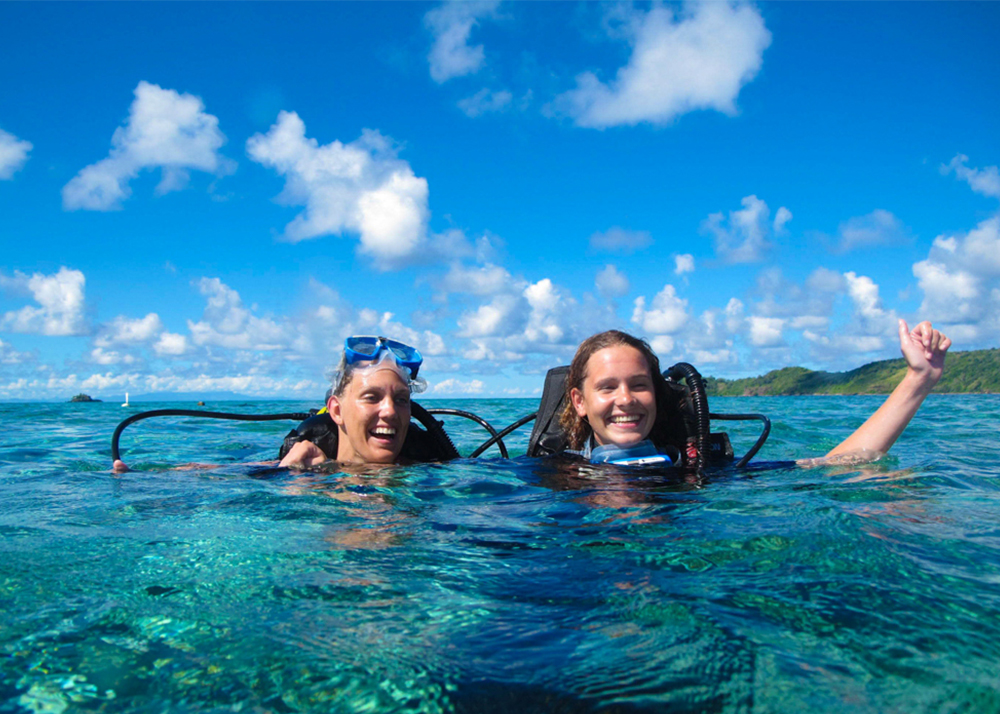 diving and freediving courses Fiji. SSI dive master dive course.